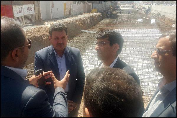 بازدید رییس مرکز تحقیقات راه، مسکن وشهرسازی از پروژههای شهری و جادهای کرمان