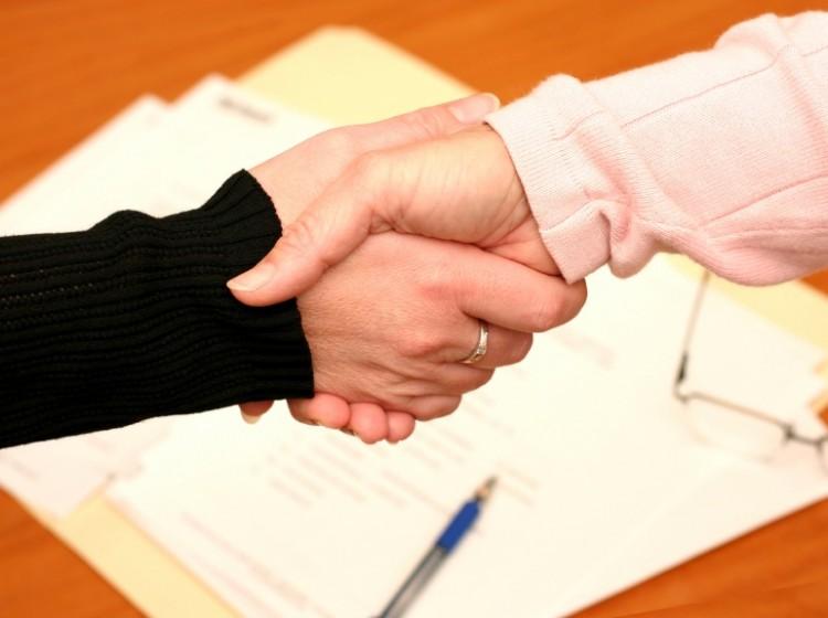 نکات ضروری هنگام تنظیم قرارداد در دفاتر مشاورین املاک کدام است؟